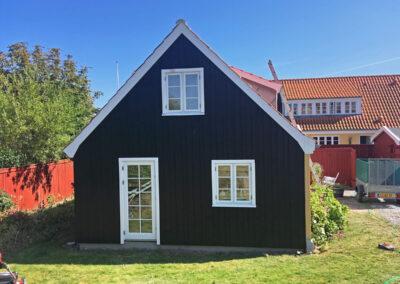 Vinduer og træbeklædning på Skagenhus